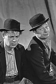 Paul Hagen and Louis Miehe-Renard in Vi venter på Godot (1962)