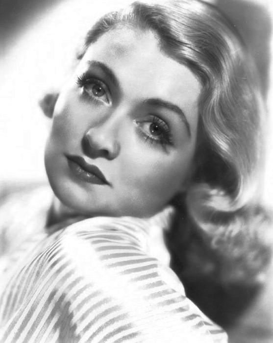 Constance Bennett in Ladies in Love (1936)