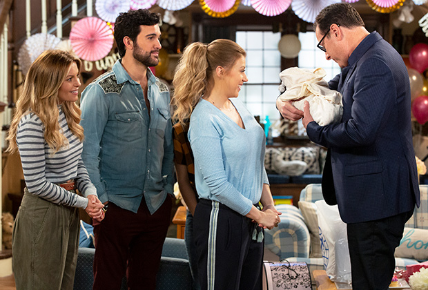Candace Cameron Bure, Bob Saget, Jodie Sweetin, and Juan Pablo Di Pace in Fuller House (2016)