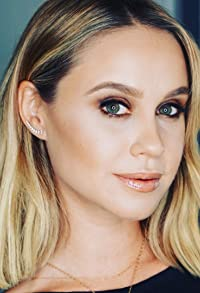 Primary photo for Becca Tobin