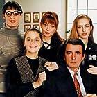 Nikola Djuricko, Milan 'Lane' Gutovic, Sofija Jovic, Bojana Maljevic, and Vesna Trivalic in Otvorena vrata (1994)
