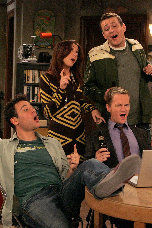 Neil Patrick Harris, Alyson Hannigan, Jason Segel, and Josh Radnor in How I Met Your Mother (2005)