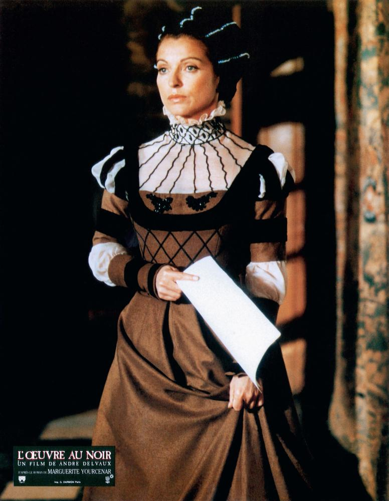 Marie-France Pisier in L'oeuvre au noir (1988)