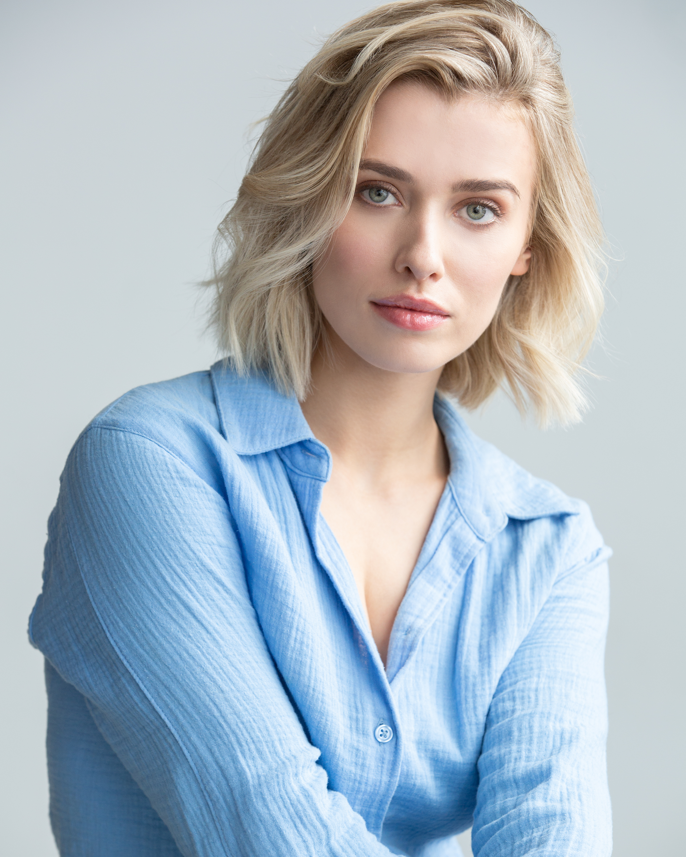 Genevieve DeGraves