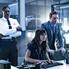 Ernie Hudson, Justin Kirk, and Caitlin Stasey in APB (2016)