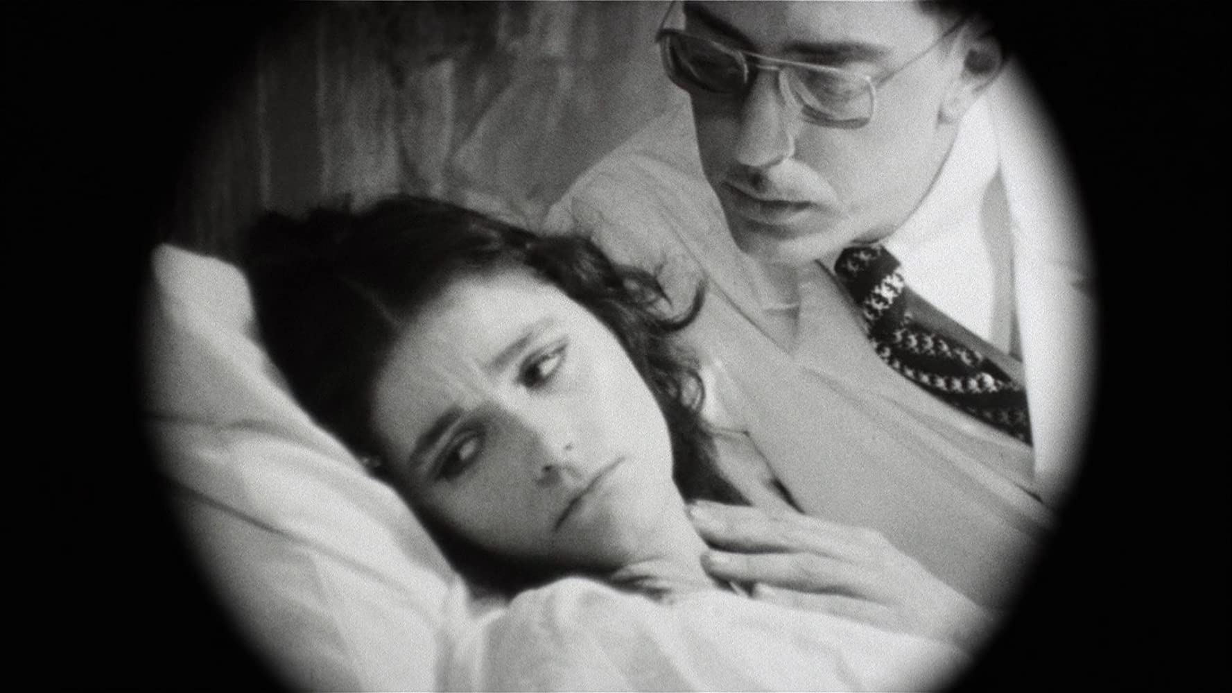 William Finley and Margot Kidder in Sisters (1972)