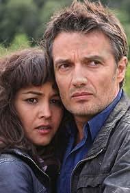 Josep Linuesa and Yoima Valdés in L'edèn (2010)