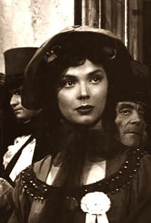 Alba Castellanos Picture