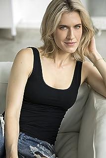 Alison Wandzura Picture