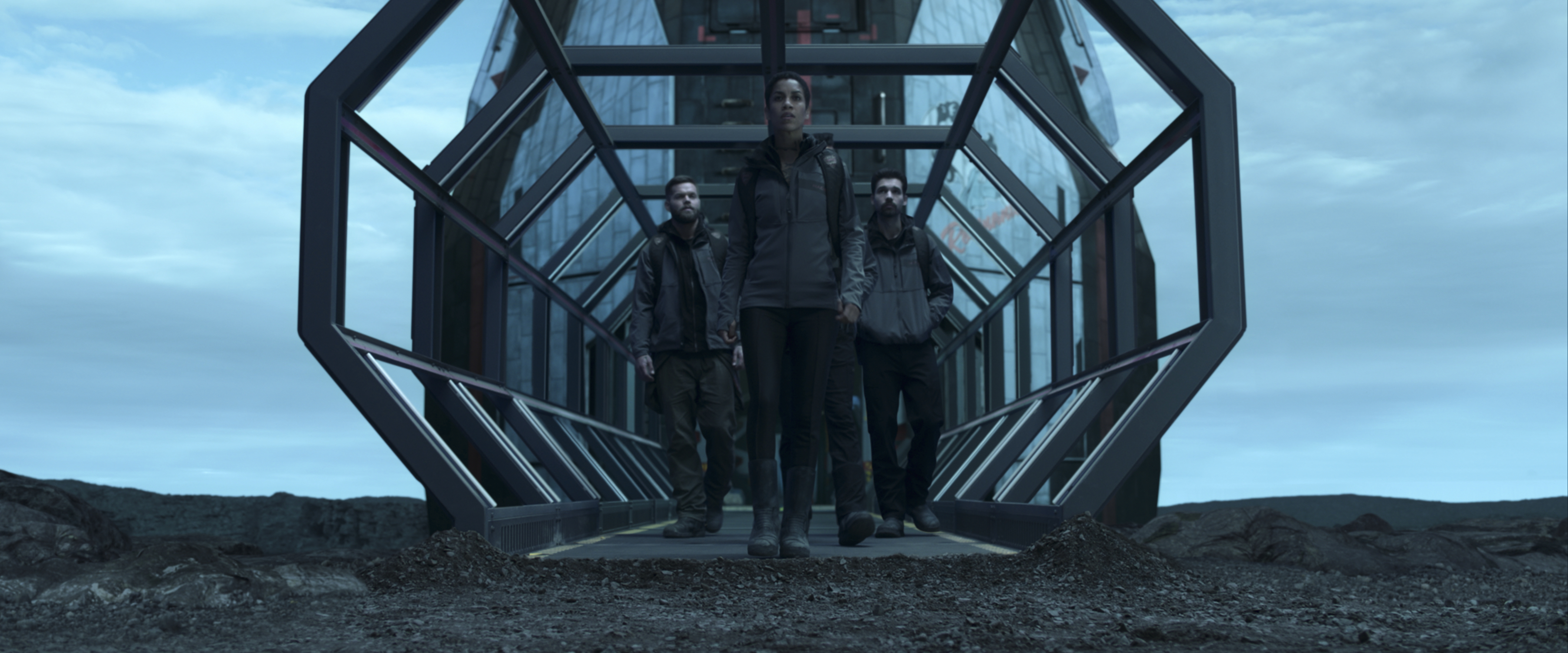 Wes Chatham, Steven Strait, and Dominique Tipper in The Expanse (2015)