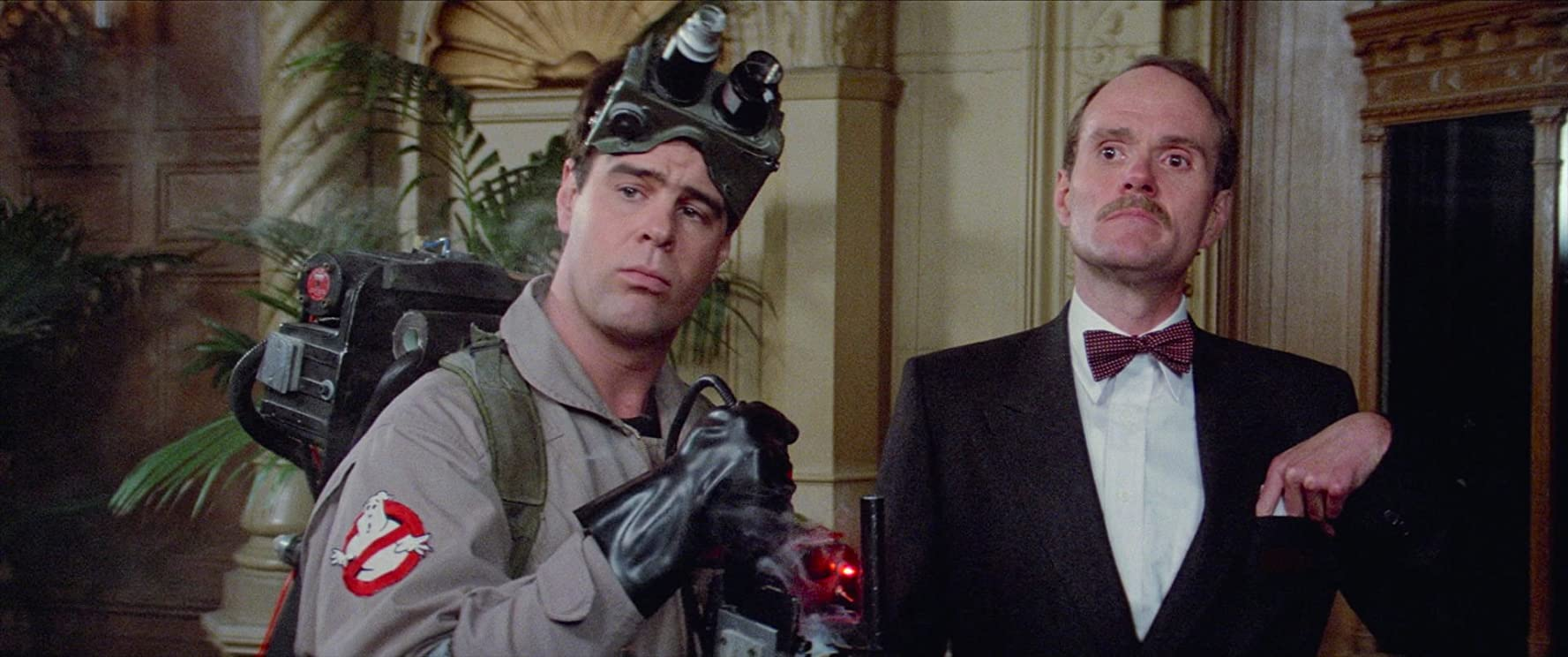 Dan Aykroyd and Michael Ensign in Ghostbusters (1984)
