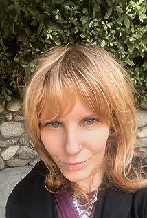Claudia Lonow Picture