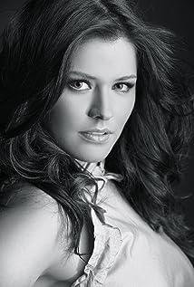 Alejandra Lazcano Picture