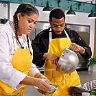 Tamara Johnson and Kwame Onwuachi in Top Chef Amateurs (2021)