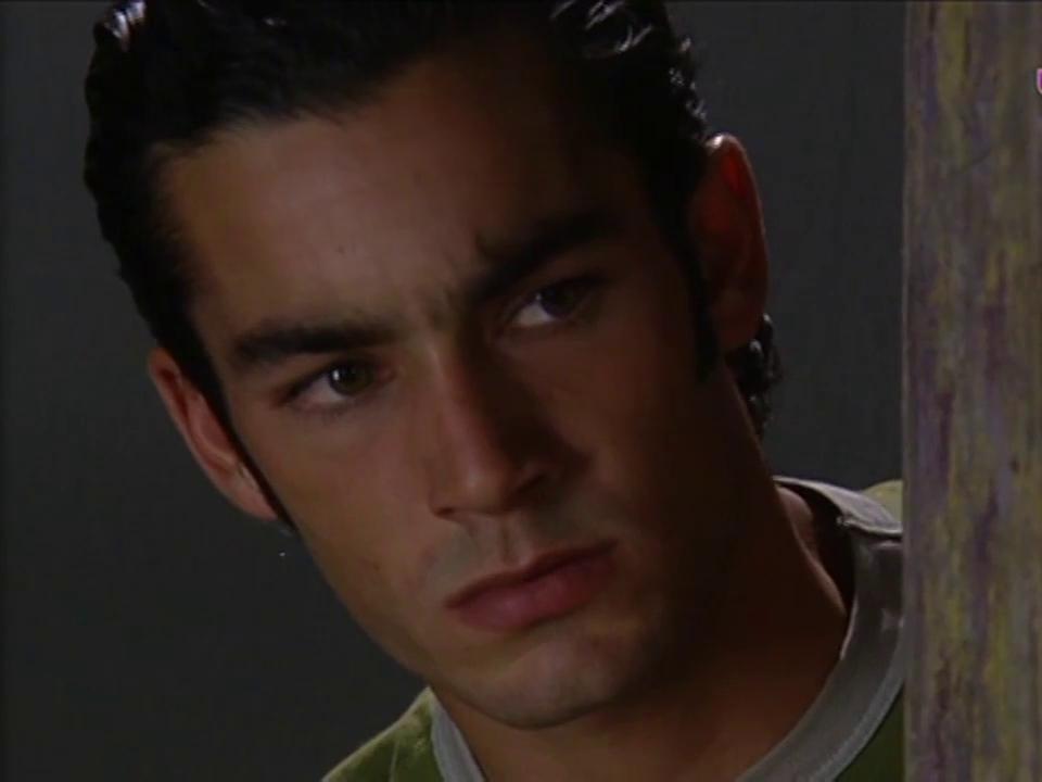 Aarón Díaz in Corazones al límite (2004)