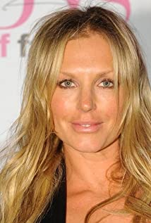 Annalise Braakensiek Picture
