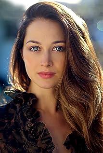 Hannah James Picture