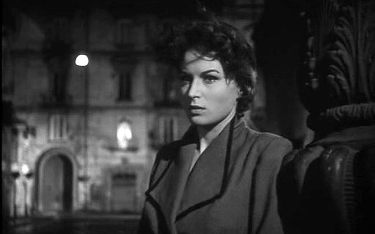 Silvana Mangano in L'oro di Napoli (1954)