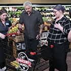 Cheyenne Buckley, Theresa Buckley, and Guy Fieri in Family Food Feud: Part 2 (2018)