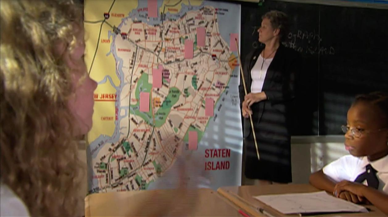 Judith Boxley and Naelee Rae in The Saint of the Zuiderzee (2007)