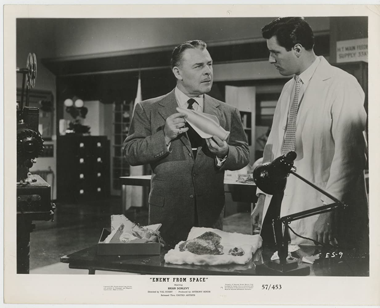 Brian Donlevy and Phillip Baird in Quatermass 2 (1957)
