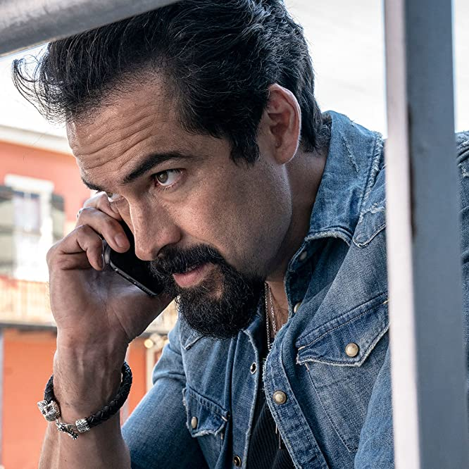 Alfonso Herrera in Queen of the South: Secretos y Mentiras (2019)