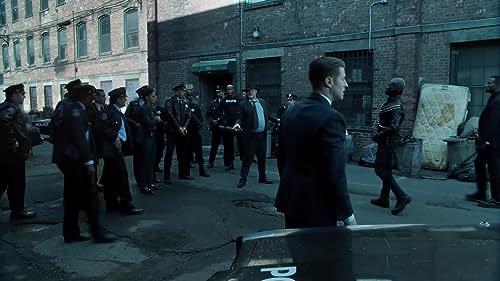 Gotham: The Gotham Police Department Raids The Narrows