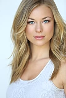 Nikki Leigh Picture