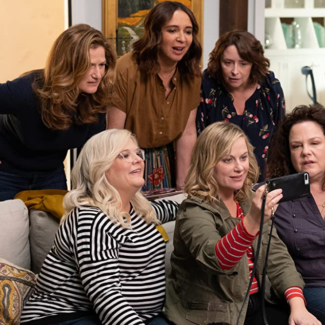 Rachel Dratch, Ana Gasteyer, Amy Poehler, Maya Rudolph, Emily Spivey, and Paula Pell in Wine Country (2019)