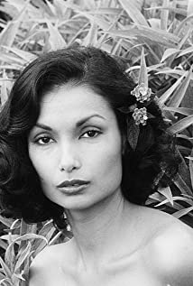Shakira Caine Picture