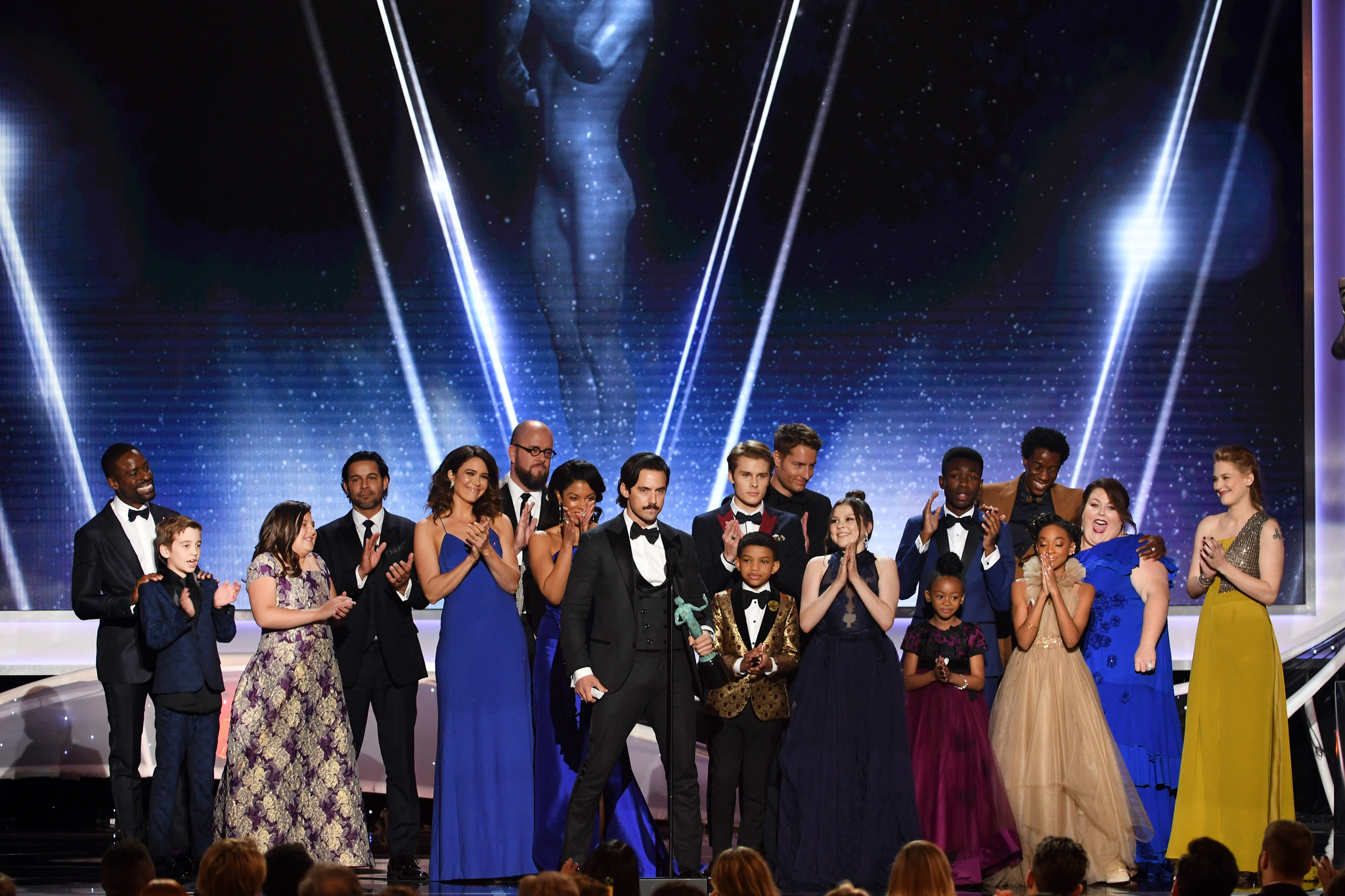 Mandy Moore, Milo Ventimiglia, Sterling K. Brown, Justin Hartley, Susan Kelechi Watson, Chrissy Metz, Chris Sullivan, Hannah Zeile, Faithe Herman, and Eris Baker at an event for 24th Annual Screen Actors Guild Awards (2018)