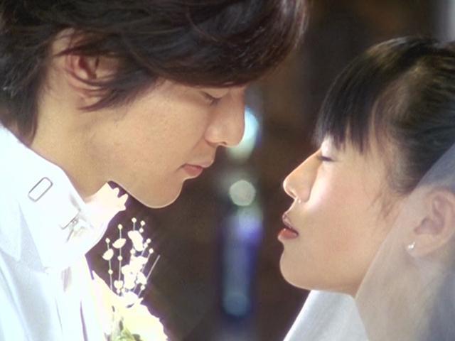 Asami Kai and Yosuke Ichikawa in Mahou sentai Magirenjâ (2005)