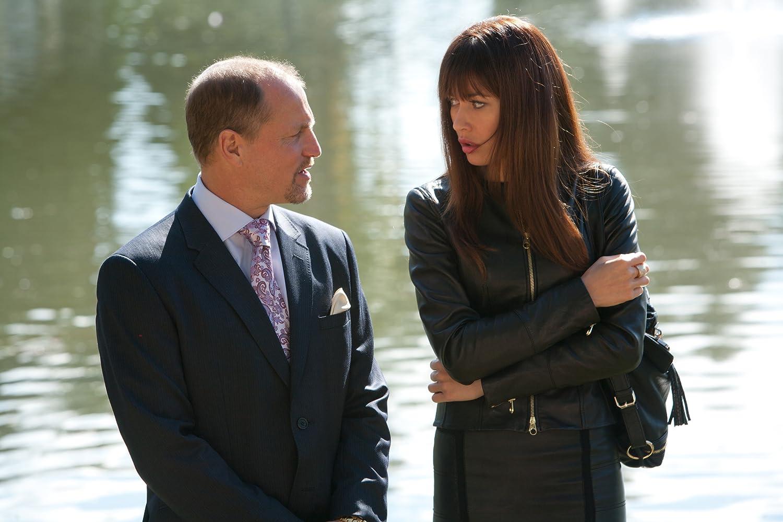 Woody Harrelson and Olga Kurylenko in Seven Psychopaths (2012)