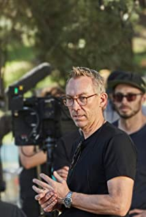 Simon McQuoid Picture