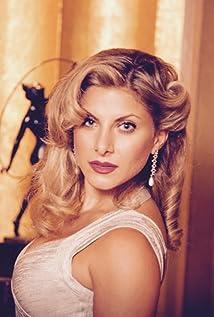 Marisa Saks Picture