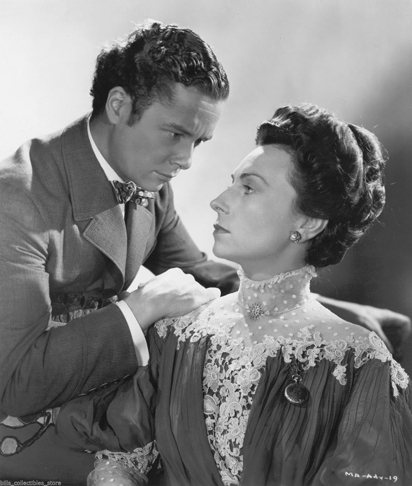 Agnes Moorehead and Tim Holt in The Magnificent Ambersons (1942)