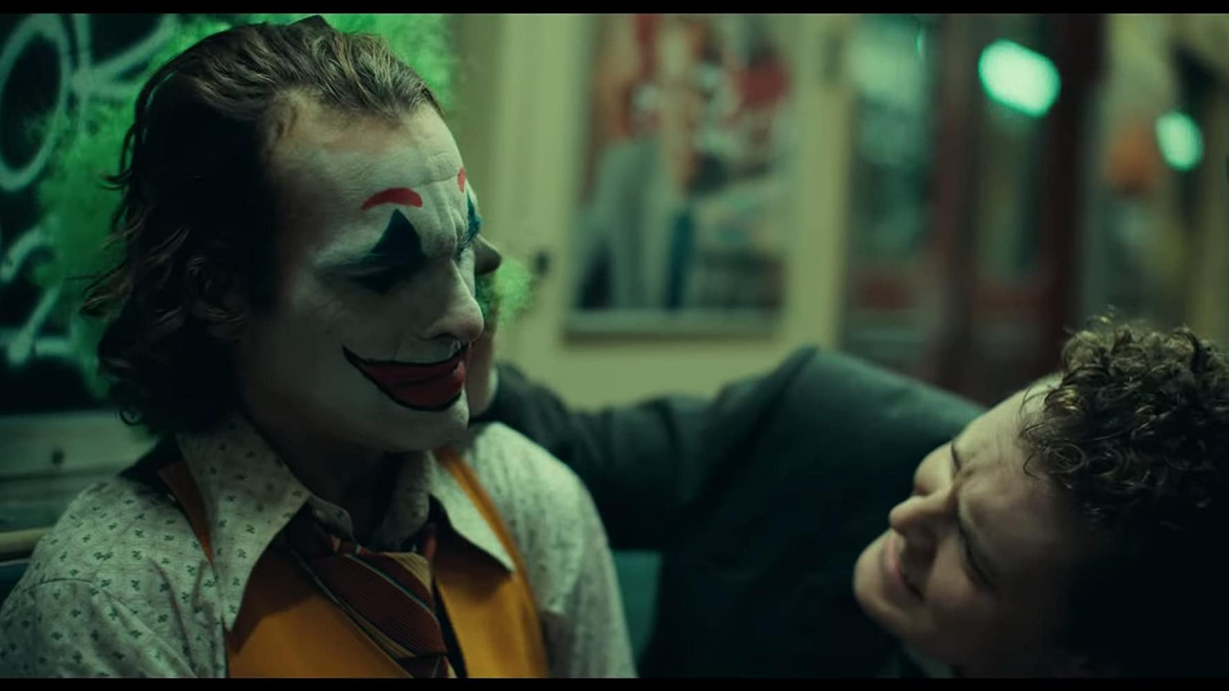 Joaquin Phoenix and Ben Warheit in Joker (2019)
