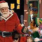 Ben Stiller, Leslie Carrara-Rudolph, Kevin Clash, and Kevin James in Elmo's Christmas Countdown (2007)