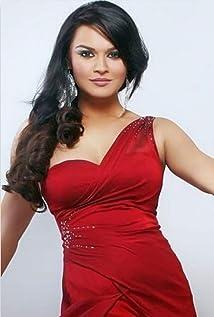 Aashka Goradia Picture