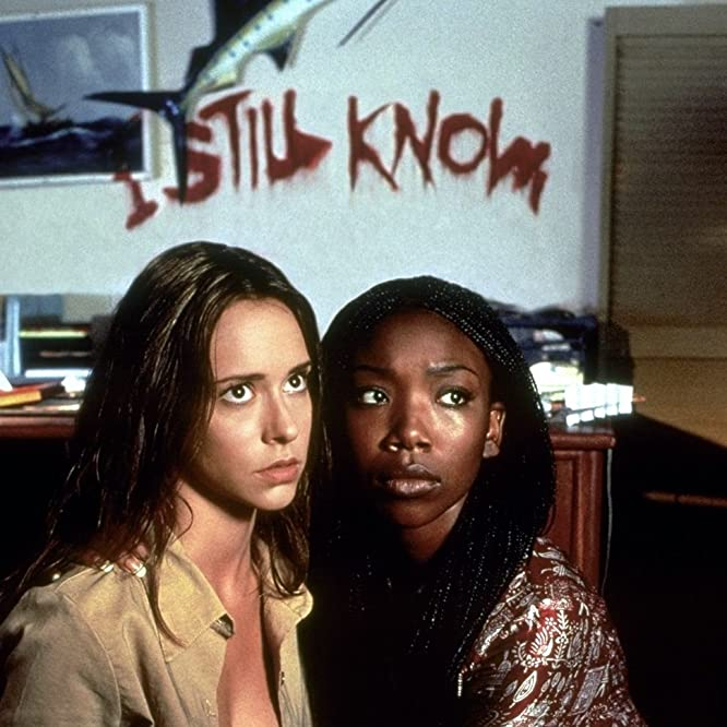 Jennifer Love Hewitt and Brandy Norwood in I Still Know What You Did Last Summer (1998)