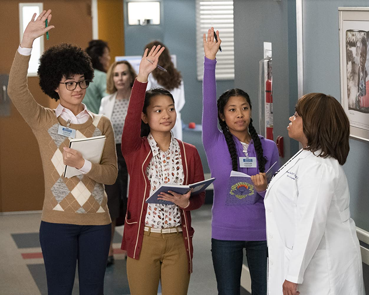 Chandra Wilson, Amina Alzouma, Kenya Cabilan, and Amanda Kubota in Grey's Anatomy (2005)