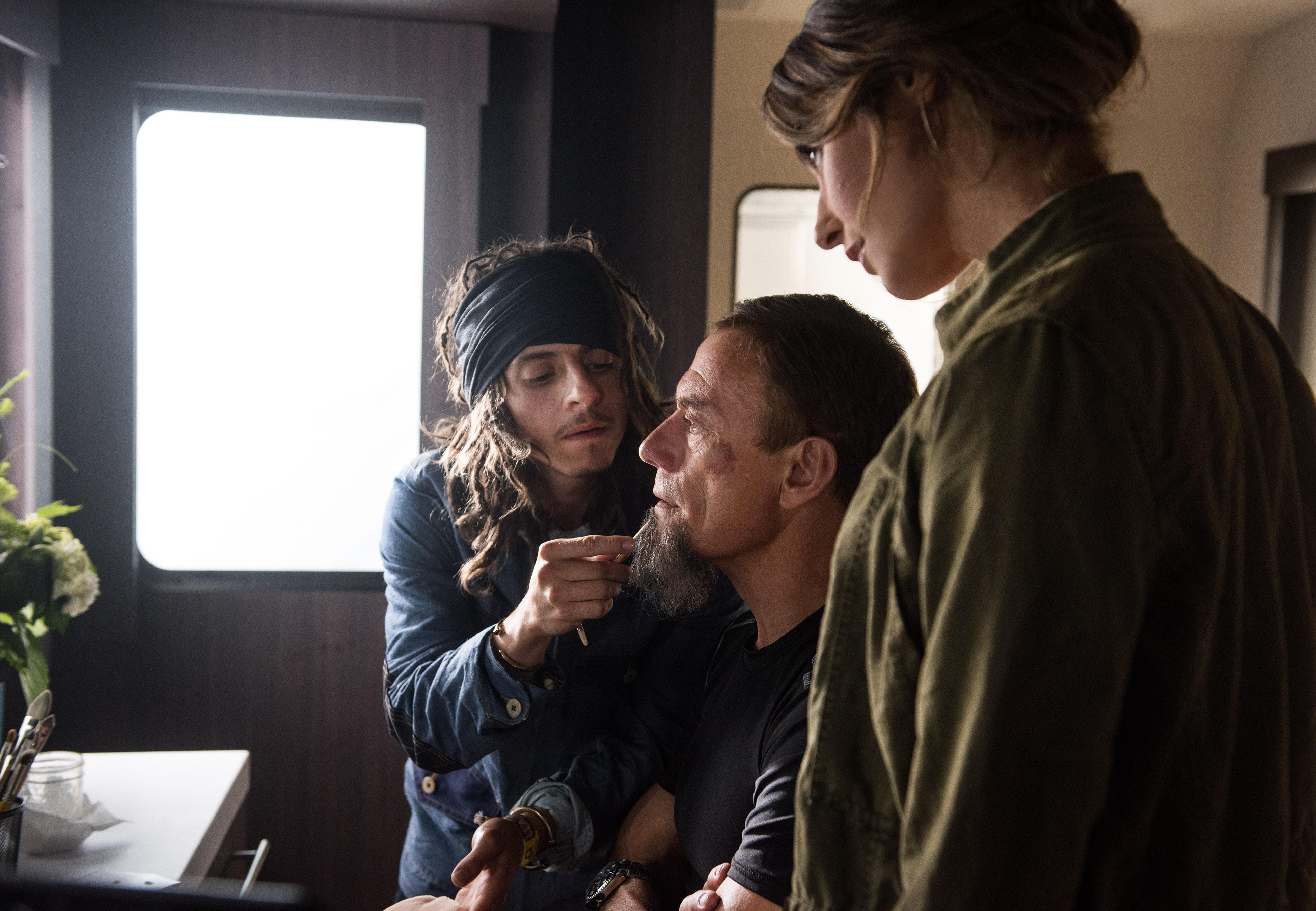 Jean-Claude Van Damme, Kat Foster, and Moises Arias in Pilot (2016)
