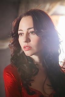 Emma Caballero Picture