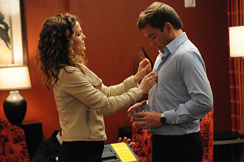 Dina Meyer and Michael Weatherly in NCIS: Naval Criminal Investigative Service (2003)