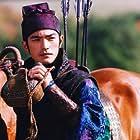 Takeshi Kaneshiro in Shi mian mai fu (2004)