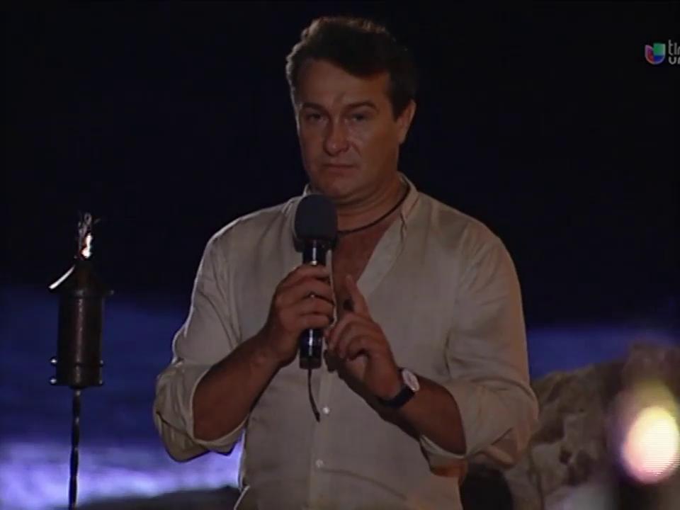 Arturo Peniche in Corazones al límite (2004)