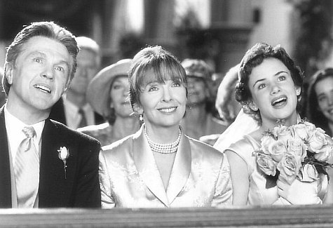 Diane Keaton, Juliette Lewis, and Tom Skerritt in The Other Sister (1999)
