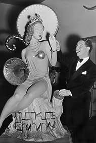 Bert Wheeler in Las Vegas Nights (1941)