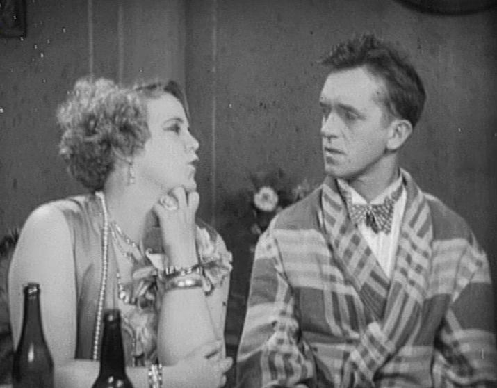Kay Deslys and Stan Laurel in We Faw Down (1928)