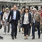 Tom Hanks and Felicity Jones in Inferno (2016)